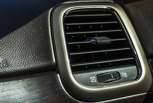 Ozonowanie i dezynfekcja wnętrza samochodu